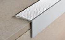 Порог для ступени алюминиевый анодированный 30х30мм 0,9м PWKААF 309 серебро